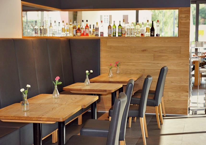 tendance les meubles en bois sur mesure pour sa salle de restauration ensemble pour les restos. Black Bedroom Furniture Sets. Home Design Ideas